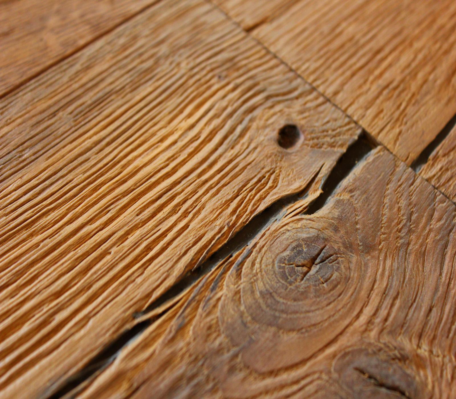 Medium Oiled Distressed Oak