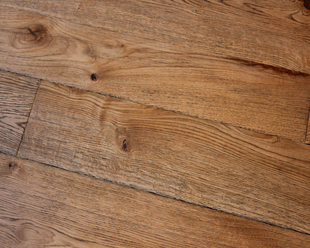 Antique Dark Grained Engineered Oak Timbers