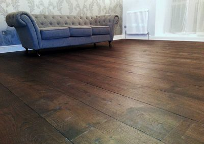 Distressed Wide Oak Planks