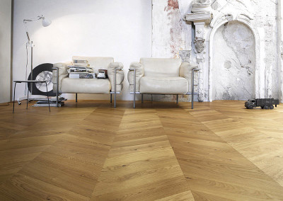 Italian Pale Oak Chevron