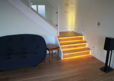 Brushed, Lacquered Oak Planks