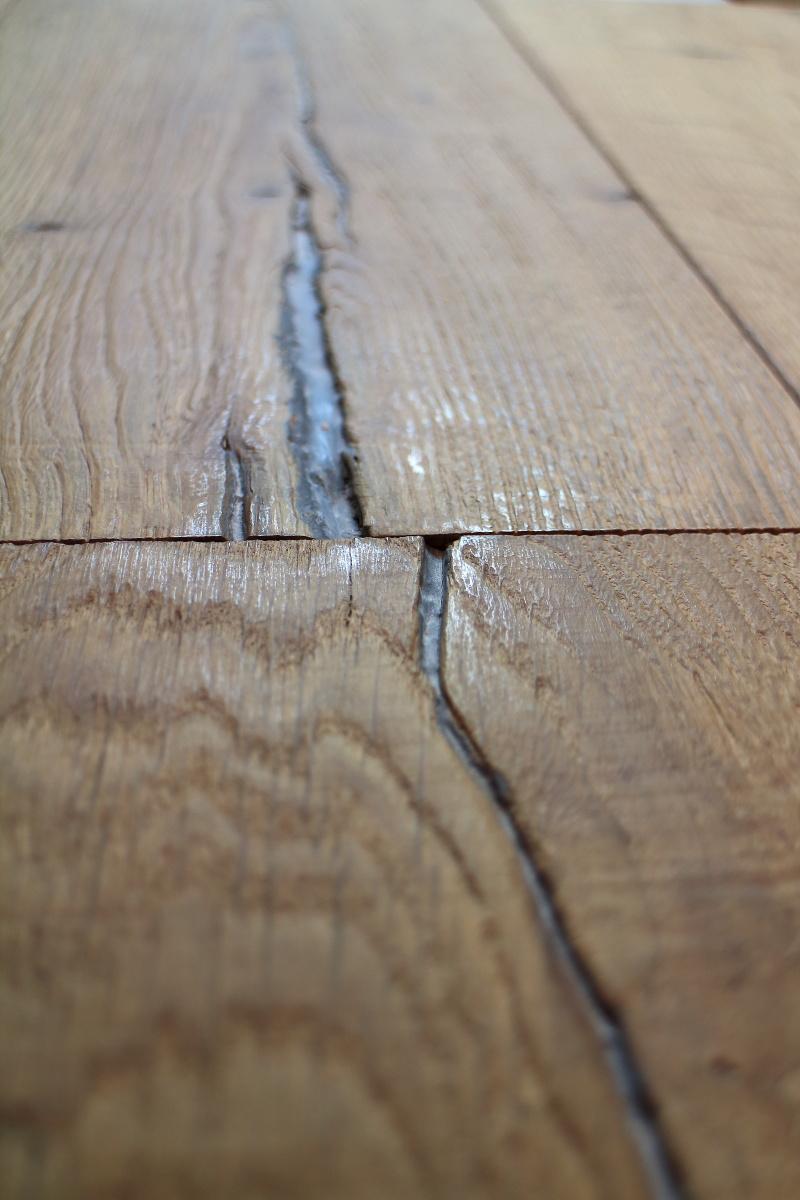 Sandblasted Aged Distressed Engineered Brown Oak Planks