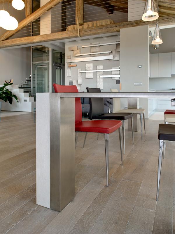 beveled-mixed-widths-pale-engineered-oak-floor