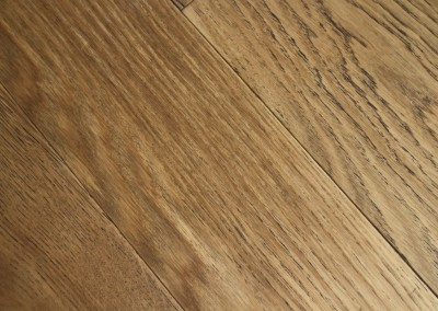 Traditional Medium Brown Oak