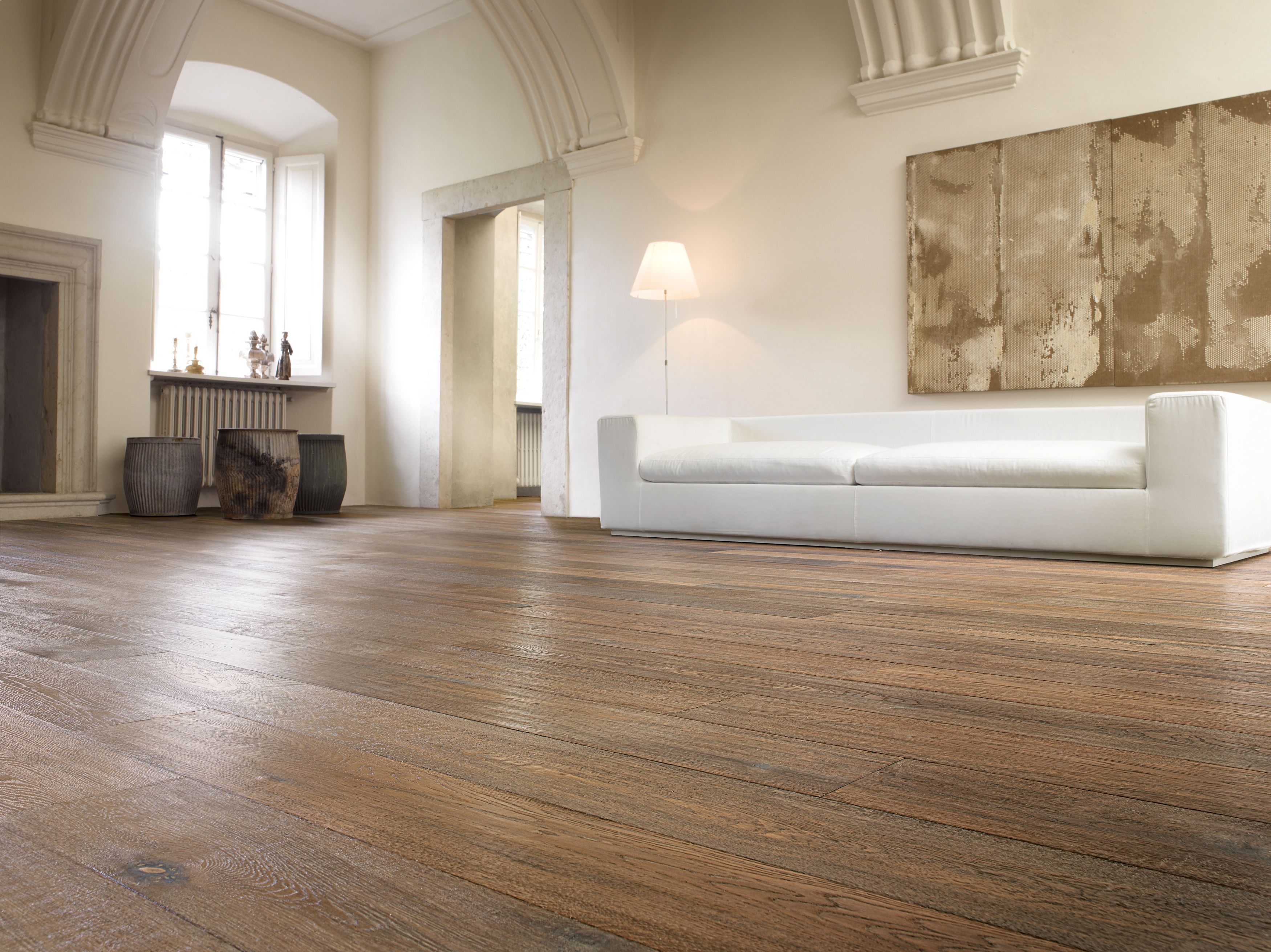 Brown Oiled Aged and Distressed Italian Oak Wooden Flooring