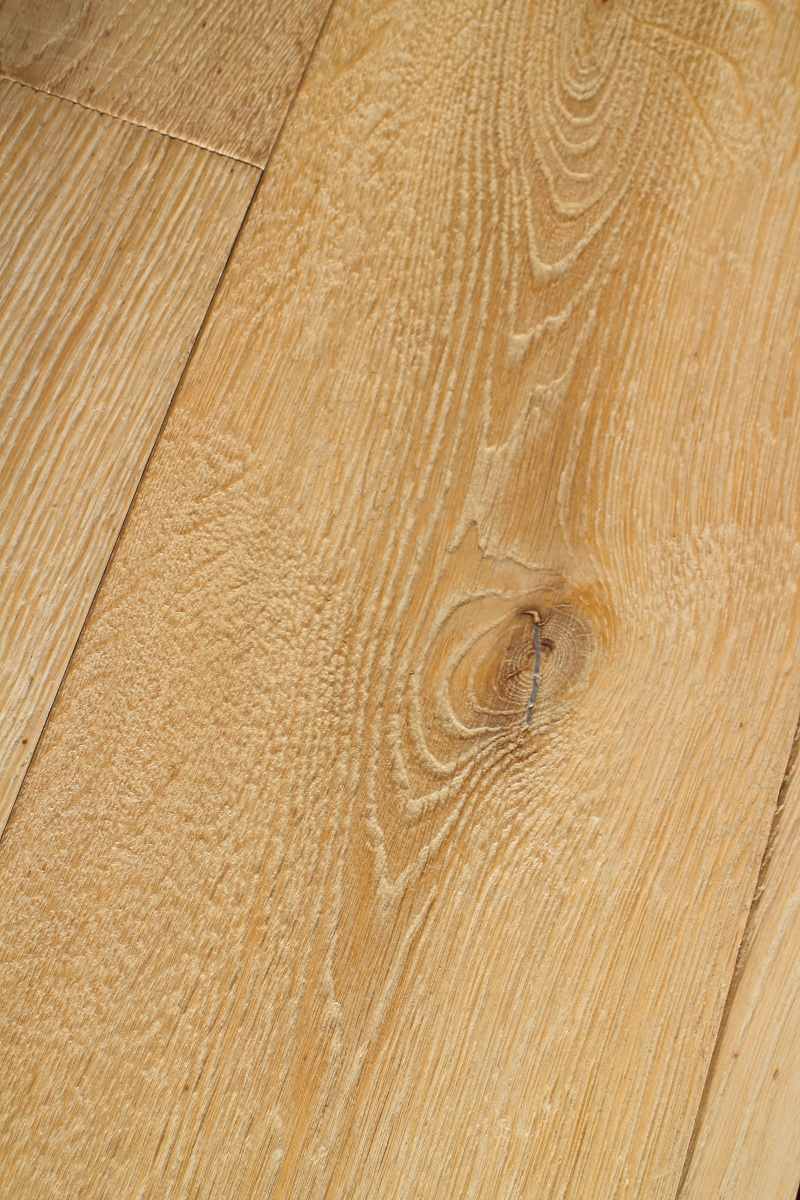 Engineered Textured Oiled Driftwood Oak Floor With Knots