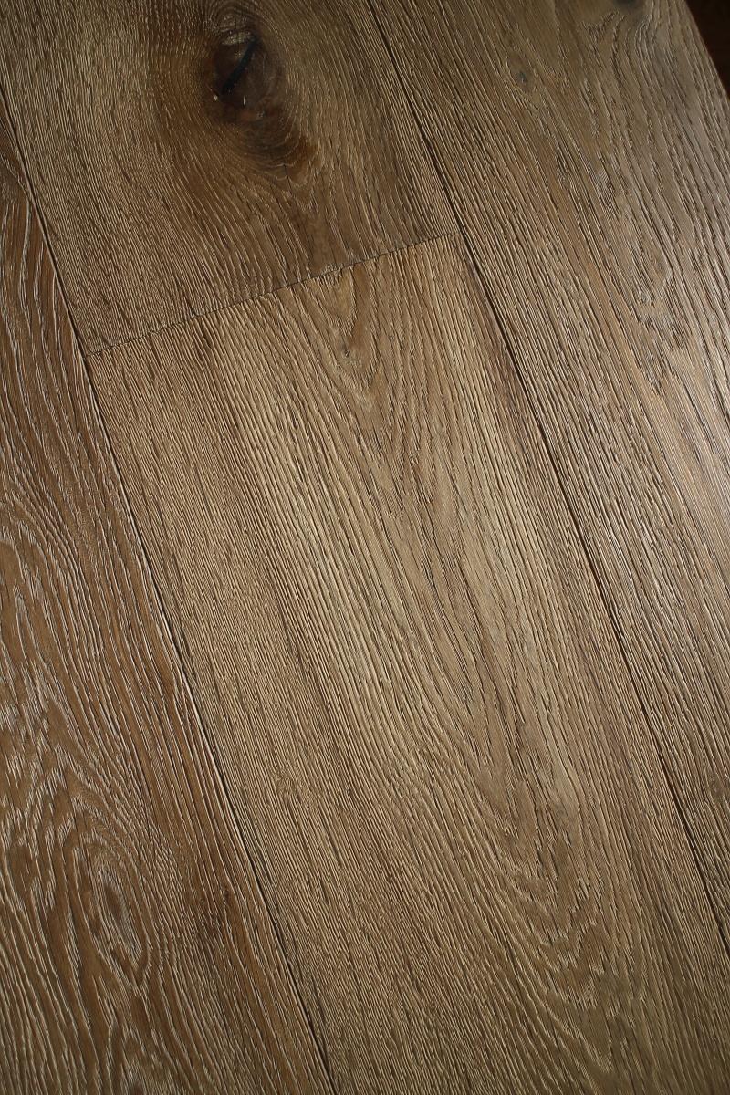 Weathered Distressed Engineered Oak Wooden Flooring
