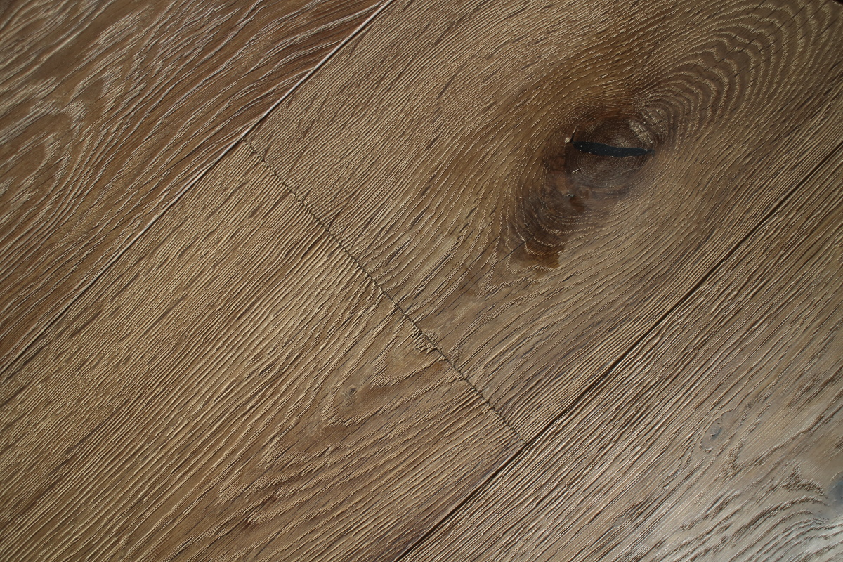Pale Brown Distressed Textured Oak Planks With Knots