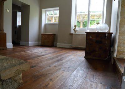 Distressed Antique Engineered Oak
