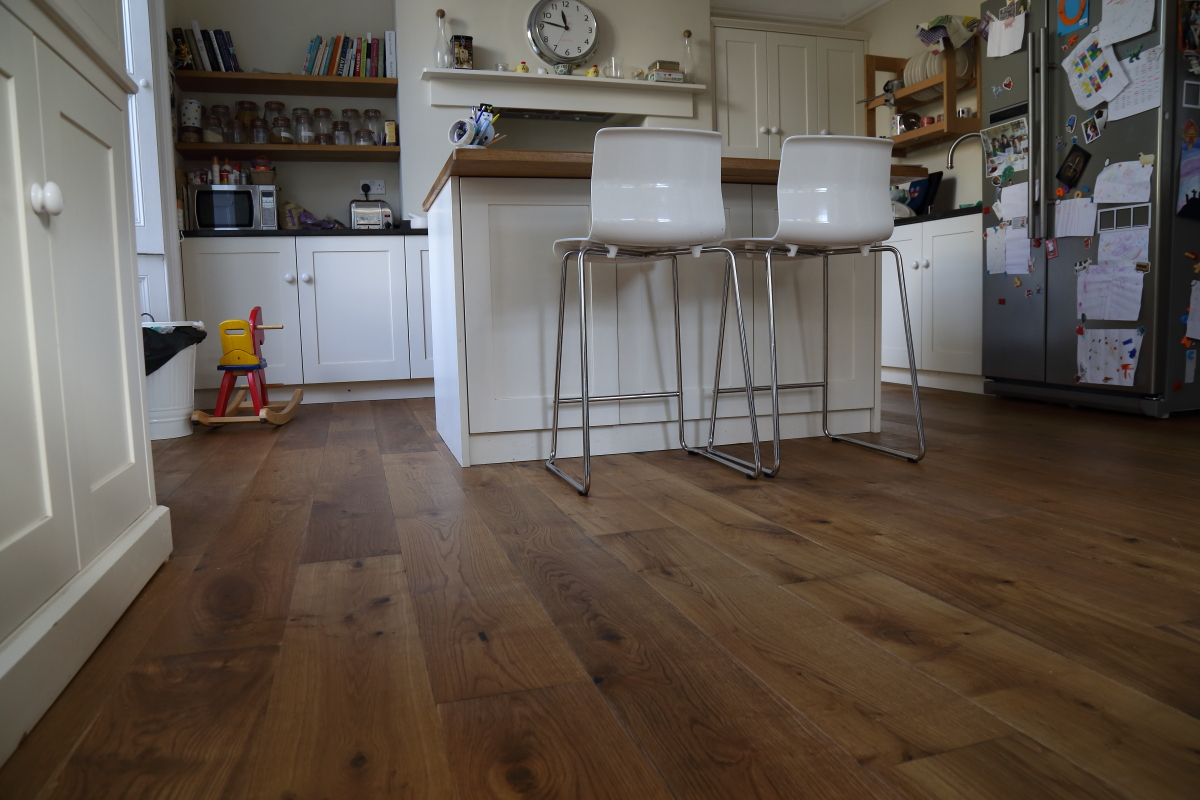Lightly smoked oak flooring - Product code HC2904, a beautiful golden brown lightly fumed oak floor with rich colour and texture from Hicraft Flooring