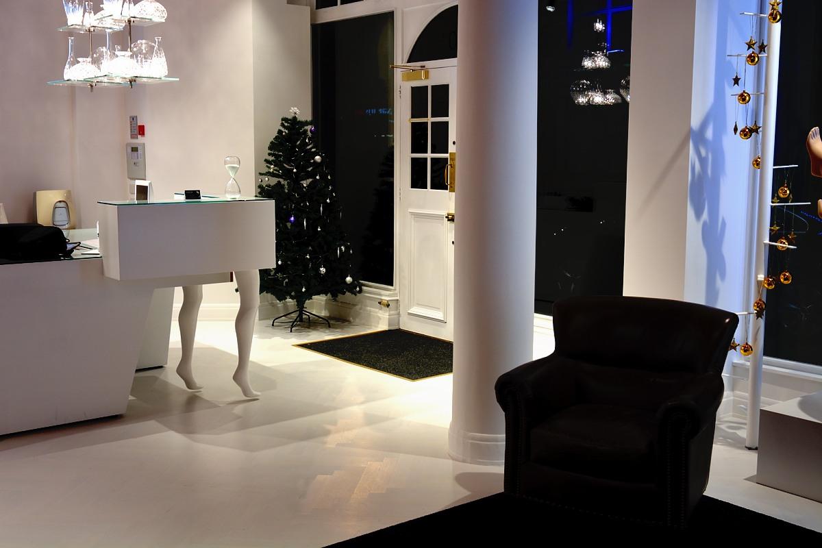 Seamless White Oak Engineered Parquet Wooden Floor
