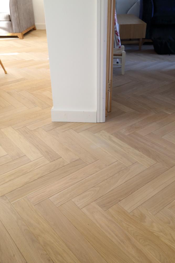 Pale Oiled Brushed Oak Herringbone Parquet Floor