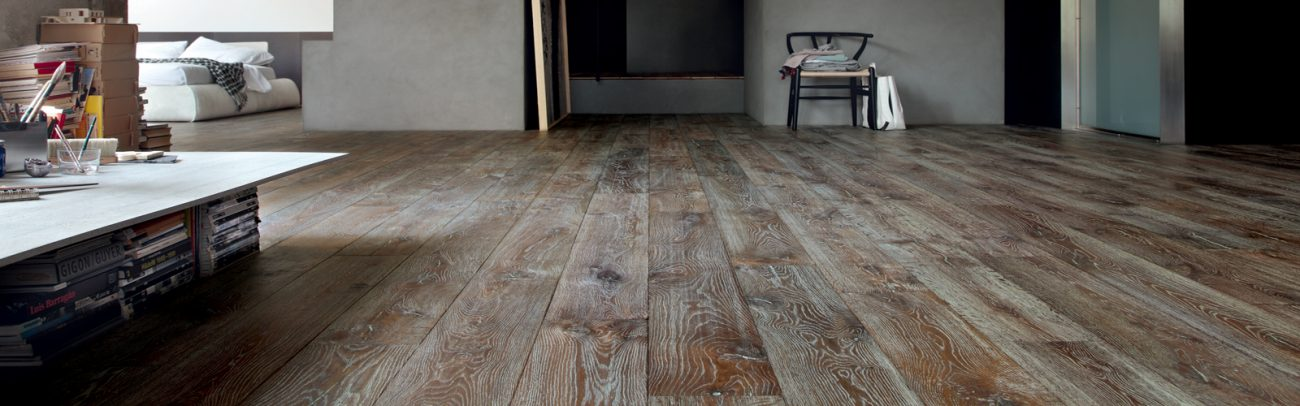 Hand Distressed White Grained Textured Oak Flooring