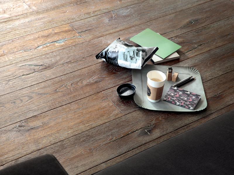 Hand Distressed White Grained Oak Flooring