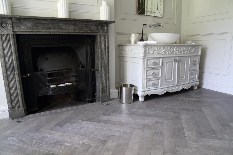 Grey Brushed Beveled Parquet Oak Herringbone Flooring