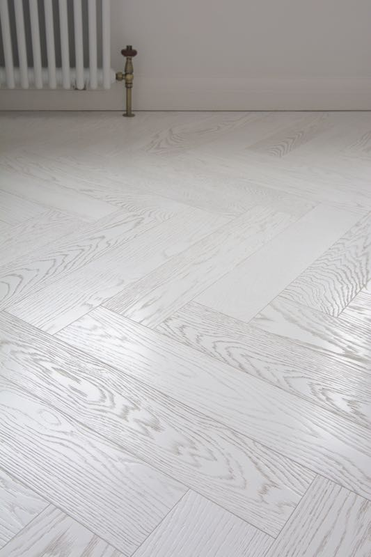 White Italian Herringbone Flooring - White parquet flooring for a contemporary look